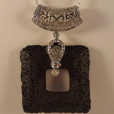 0201 pendentif pierre de lave 1