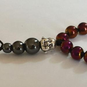 Bracelet tibetain hematite teintee parme