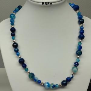Collier agate teintee bleue 2 1