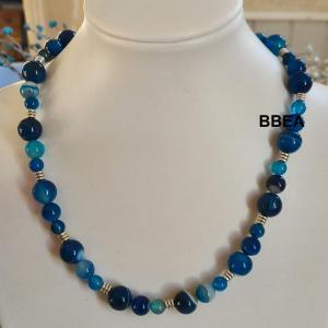 Collier agate teintee bleue 2