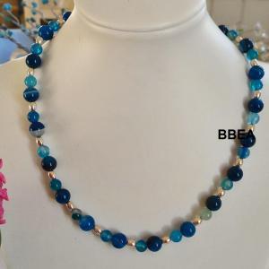 Collier agate teintee bleue 3