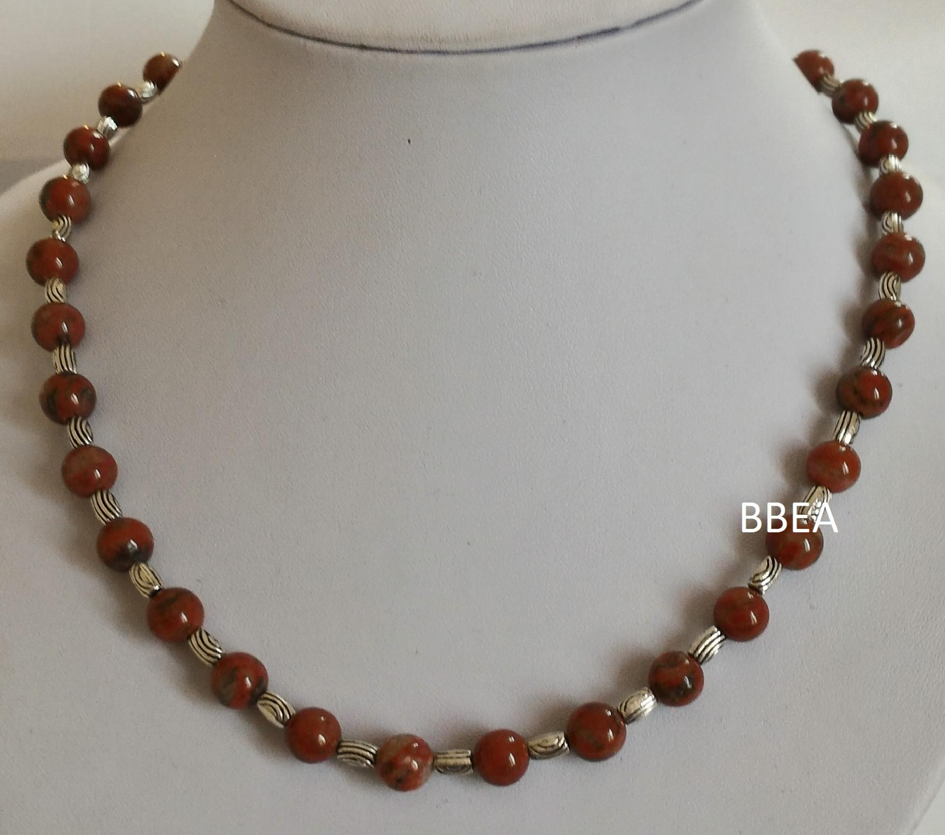 Collier jaspe rouge 1