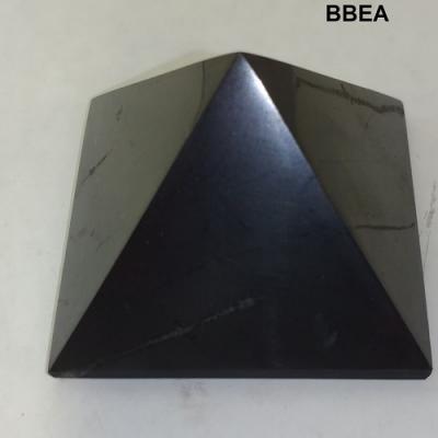 Shungite pyramide
